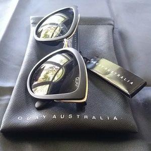 NWOT QUAY AUSTRALIA SUNGLASSES